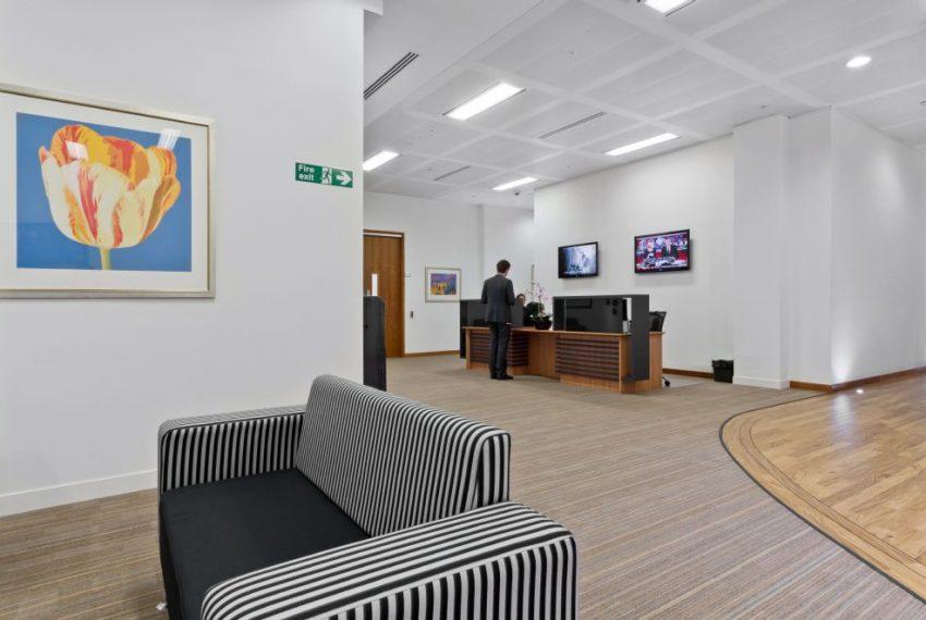 i2 - 200 Aldersgate - Lobby