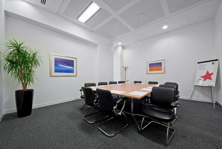 i2 - 200 Aldersgate - Meeting Room
